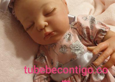 bebes reborn Annie de la escultora Adrie Stoete